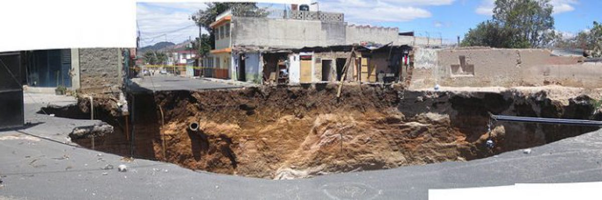 800px-Guatemala_city_sinkhole_2007_composite_view-768x228