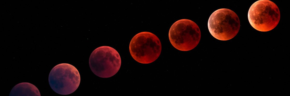 blood-moon-3567619_1920